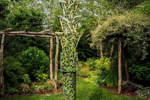 AAA Spiky Palm columns in mosiac Green